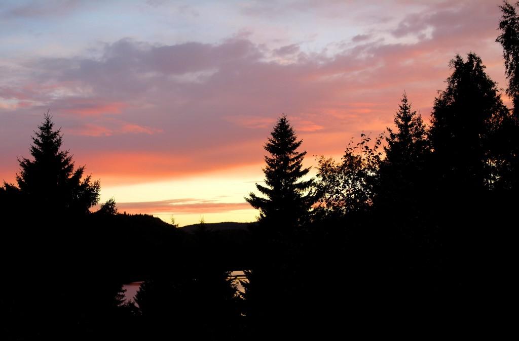 Solnedgång i stugan